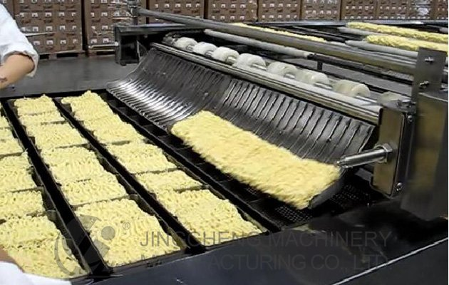 Fried instant noodle processing plant
